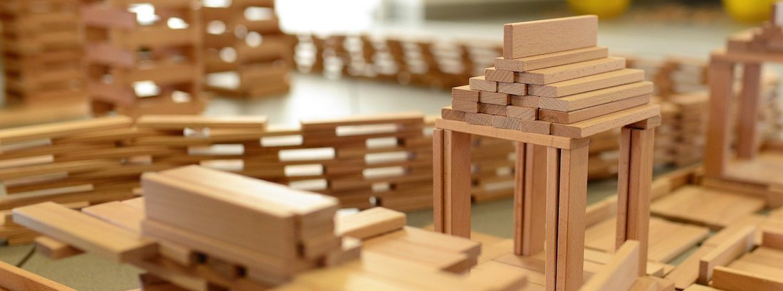 Toylogs About wooden toys